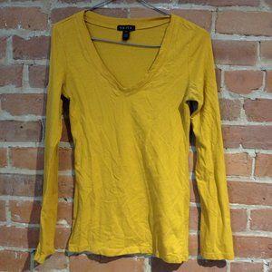 Yellow long-sleeved shirt + tank top
